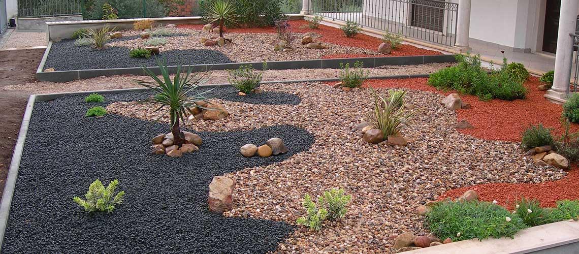 jardins pedras fotos:Construção e Manutenção de Jardins – Iberia Jardinagem